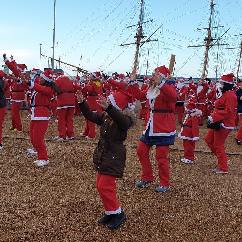 SQ Santa Fun Run Dance warm up chatham dockyard
